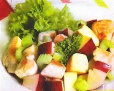 Ensalada de pollo, manzana y nueces