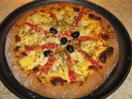 Pizza de pollo y piña